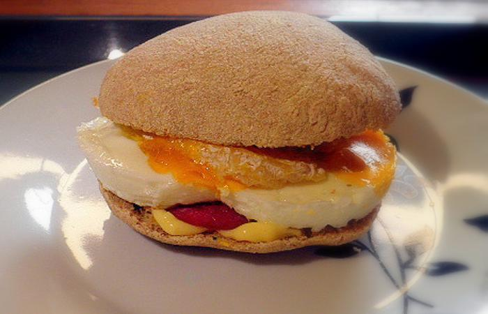 Régime Dukan (recette minceur) : Egg'n'bacon muffin #dukan http://www.proteinaute.com/recette-egg-n-bacon-muffin-11215.html