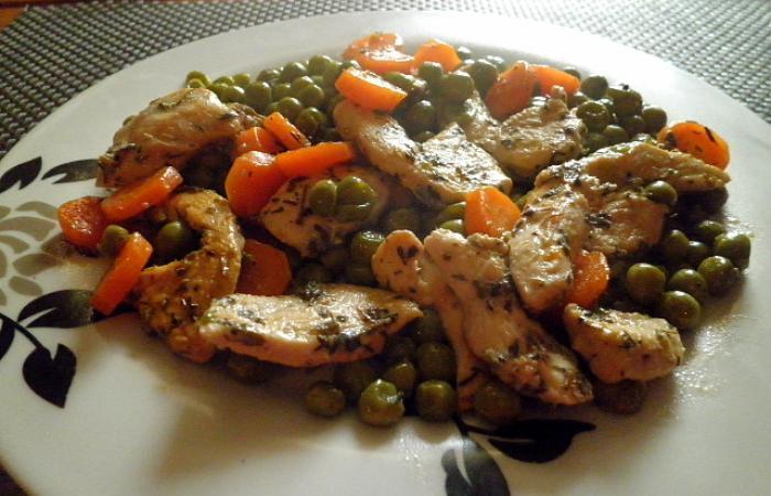 Po l e de petits pois carottes au poulet marin au thym - Comment cuisiner les petits pois ...