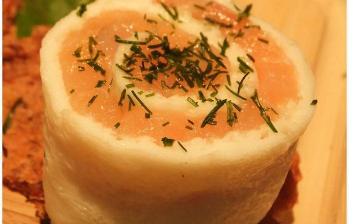 blanc d 39 oeuf roul au saumon recette dukan pp par cecilebeaud recettes et forum dukan pour le. Black Bedroom Furniture Sets. Home Design Ideas