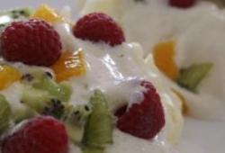 Recette Dukan : Pavlova (meringue, chantilly, fruits)