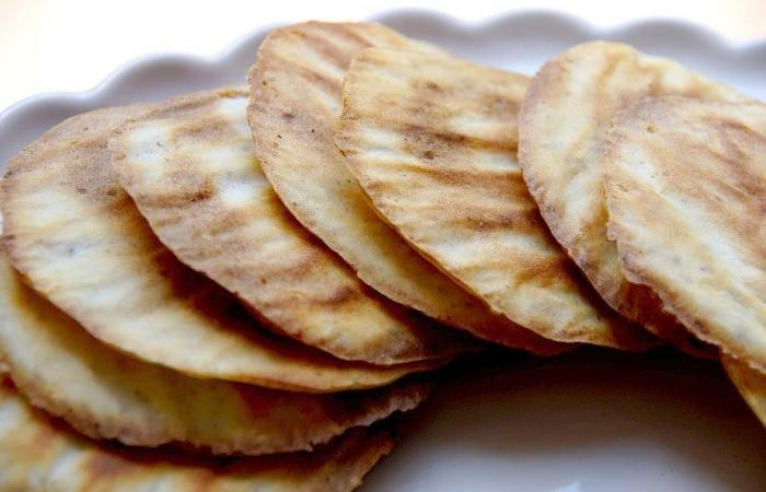 Régime Dukan (recette minceur) : Tuiles biscuitées #dukan http://www.proteinaute.com/recette-tuiles-biscuitees-9027.html