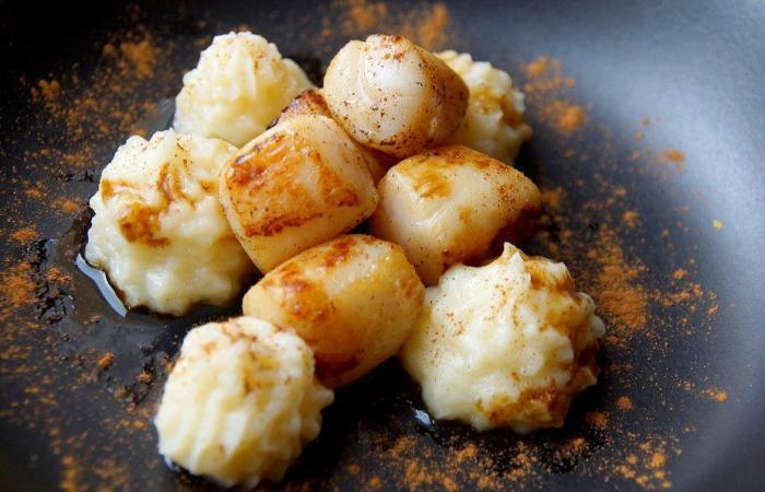 Bouchées de noix de Saint Jacques à l'ananas caramélisé et vanillé,